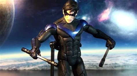 R257 DC Collectibles Batman Arkham City Nightwing Action