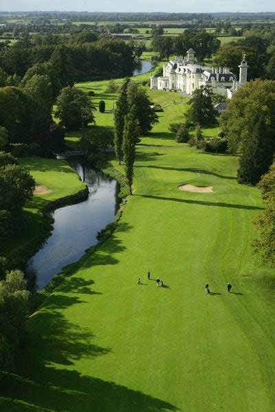 8 of the World's Most Beautiful Golf Courses