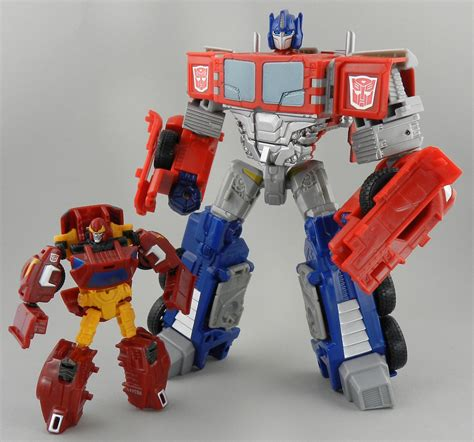 TFW's Combiner Wars Rodimus In-Hand Gallery - Transformers