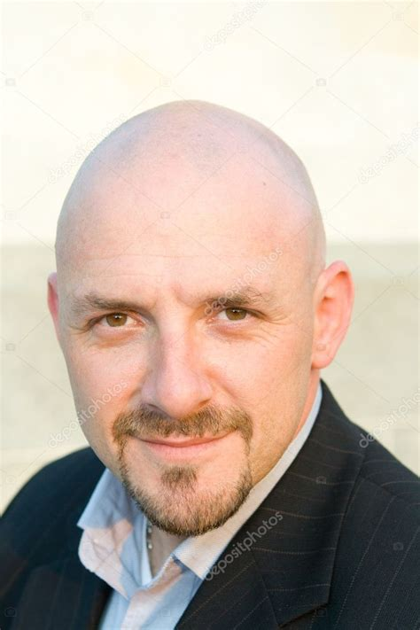Head Shot 30's Bald Guy Goatee Looking at Camera — Stock