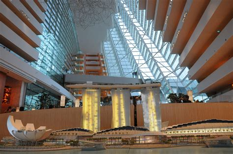 Marina Bay Sands – The Building With A Ship On Top