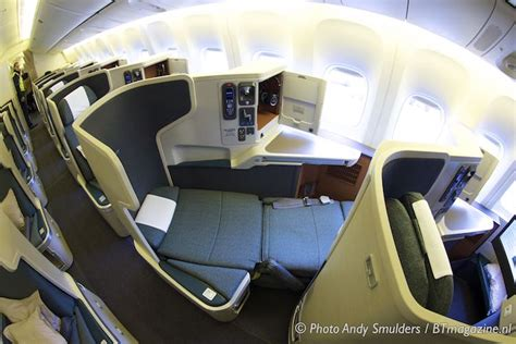 CATHAY PACIFIC FLIES WITH BOEING 777-300ER ON AMSTERDAM