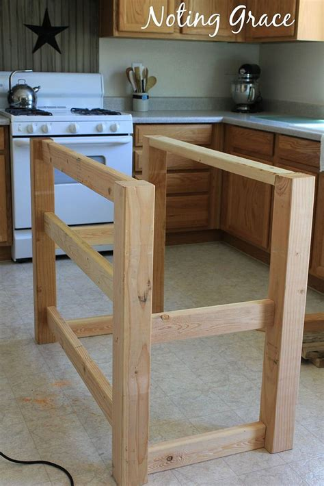 Hometalk | How To Make A Pallet Kitchen Island for Less