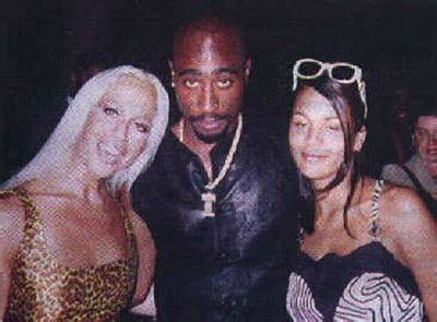 Can we talk about how 2Pac tried to ride Puff/Big wave
