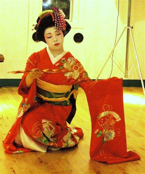 Japanese Traditional Dance - Japan Promotions