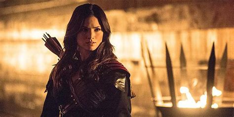 Arrow's season 5 finale will see Nyssa face off with her